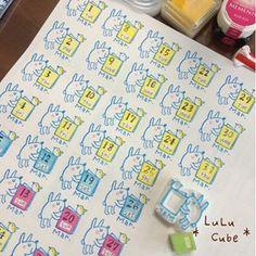 消しゴムはんこ *LuLu Cube* Eraser Stamp, Handmade Stamps, Arts And Crafts, Diy Crafts, Hobonichi, Rose Buds, Hand Carved, Cube, Stationery