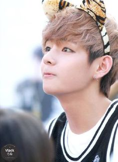 [BTS] v Taehyung dépasse la cutitude il est troo mignon Jhope, Kim Taehyung, Bts Bangtan Boy, Bts Aegyo, K Pop, V Bts Cute, V Cute, Foto Bts, Rap Monster