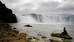 Jeff Bell// Iceland/The falls at Godafoss.