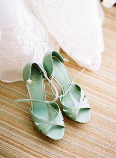 Chaussures de mariée couleur menthe - Chaussures: Ralph Lauren - Crédit Photo: Jana Morgan Photography - La Fiancée du Panda blog Mariage et Lifestyle