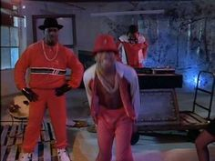 "LL COOL J / I'M BAD (1987) -- Check out the ""I ♥♥♥ the 80s!!"" YouTube Playlist --> http://ow.ly/9IhqH"
