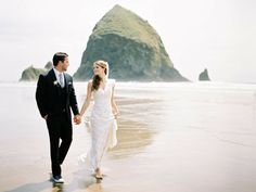 Cannon Beach wedding photography - even in the middle of the day, we had beautiful light. Shooting with film helps too ;)