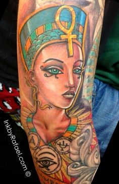What does queen nefertiti tattoo mean? We have queen nefertiti tattoo ideas, designs, symbolism and we explain the meaning behind the tattoo. Dope Tattoos, Black Tattoos, Body Art Tattoos, Virgo Tattoos, Egyptian Queen Tattoos, African Queen Tattoo, Nefertiti Tattoo, Pagan Tattoo, Africa Tattoos