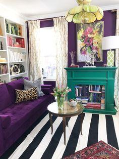 Cozy Home Decoration .Cozy Home Decoration Home Living Room, Living Room Designs, Living Room Decor, Bedroom Decor, Gouts Et Couleurs, Purple Couch, Purple Walls, Colourful Living Room, Home Organization