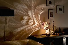 Esculturas únicas de dia, luminárias espetaculares à noite