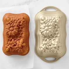 Nordic Ware Honey Bee Loaf Pan Mini Cake Pans, Mini Cakes, Williams Sonoma, Mousse, Shaped Cake Pans, Bee Cookies, Honeycomb Cake, Pull Apart Cake, Halloween Baking