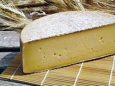 Gruyere is made from full fat raw milk, it depends on a high temperature scald to dry the curd. Get the recipe for Gruyere and make this cheese at your home. Fromage Cheese, Gruyere Cheese, Swiss Cheese, Sheep Cheese, Aged Cheese, How To Make Cheese, Food To Make, Making Cheese, Cheese Recipes