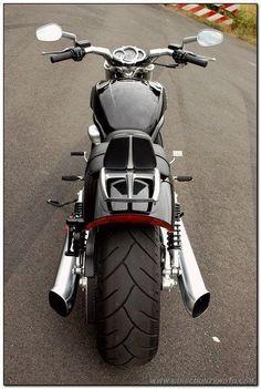 V Road Muscle Harley Davidson 00112 #harleydavidsonroadkingcustom #harleydavidsontrikeroadking #harleydavidsonchoppersart