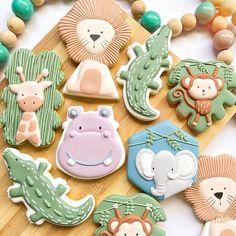 Lion Cookies, Fancy Cookies, Cute Cookies, Iced Cookies, Royal Icing Cookies, Cookie Desserts, Sugar Cookies, Cookie Icing, Lion Birthday