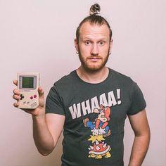 99igers Und so sieht er live und in Farbe aus. #selfie #gameboy #supermario #beard #fanboy #dutt #bun #topknot