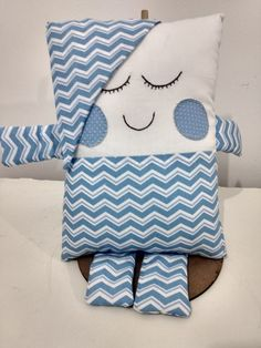 Doll Crafts, Baby Crafts, Sewing Crafts, Sewing Projects, Sewing Pillows, Diy Pillows, Fabric Toys, Sewing Dolls, Baby Art