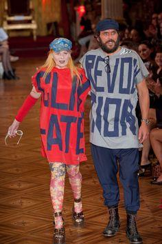 Vivienne Westwood and Andreas Kronthaler @ Vivienne Westwood S'S 2013 show, Paris New Outfits, Kids Outfits, Cool Outfits, Vivienne Westwood, Daily Fashion, High Fashion, Men's Fashion, Elegante Y Chic, Advanced Style