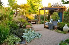 gemüsegarten tipps anlegen terrasse lounge gartenlaube