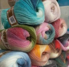 Hand Knitting Yarn, Crochet Yarn, Needles Sizes, Wool Yarn, Yarns, Throw Pillows, Thread Crochet, Cushions, Decorative Pillows