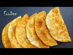 Чебуреки получаются невероятно сочными, легкими, вкусными и с пупырышками. Тесто выходит очень тонким и нежным, но отлично удерживает начинку. Bread Recipes, Snack Recipes, Snacks, Sweet Cooking, Food Videos, Chips, Food And Drink, Tasty, Baking