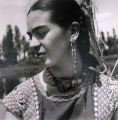 Frida profile by fritz henely