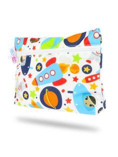 101700-Kosmonauti-tasticka-na-vlozky Wet Bag, Diaper Bag, Pattern, Bags, Raincoat, Handbags, Diaper Bags, Patterns, Mothers Bag