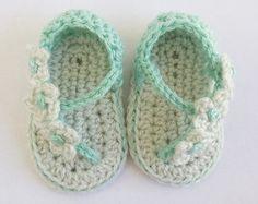 Rojos o Azules  Zapatos Tejidos de Bebé Mary Jane con Rosas