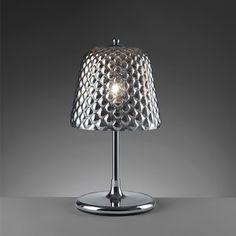 LAMPADA QUILTED      lampada da tavolo 'quilted' con struttura in acciaio e paralume in vetro specchiato lavorato effetto trapunta  dimensione: diam. 25x47  colori: grigio, champagne, rose gold