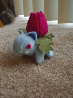 Felt Pokemon Ivysaur *edit: Plus Oddish* - Image Heavy (with VERY ROUGH pattern) - TOYS, DOLLS AND PLAYTHINGS