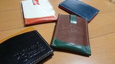 クアトロガッツ! 皆様検索を!!!  最近、財布を替えまして☆ カードを入れるスペースが減ったので、 カード入れも買いました☆ このブランドと出会いは。。。。 1年ちょい前かな?? 名刺入れを頂いた事があり、 そのブランドのカード入れを先日京都に帰った際に 手作り市にて再会を(^...