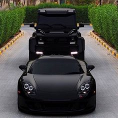 "Luxury Cars Bugatti Expensive Bentley 4 Door Tesla Maserati Ferrari Audi Cadillac Lamborghini Porsche 👉 Get Your FREE Guide ""The Best Ways To Make Money Online"" Luxury Sports Cars, Top Luxury Cars, Sport Cars, Luxury Suv, Fancy Cars, Cool Cars, Carros Lamborghini, Lamborghini Gallardo, Ferrari 458"
