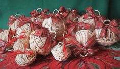Burlap Wreath, Wreaths, Home Decor, Decoration Home, Door Wreaths, Room Decor, Burlap Garland, Deco Mesh Wreaths, Home Interior Design