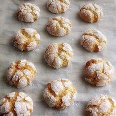 Deliciosas galletas de almendra craqueladas