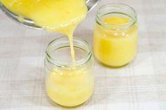 Разлейте по баночкам.  Если у вас яйца всё же немного свернулись (хотя это произойти не должно, так как в рецепте есть кислота) то протрите крем через сито или взбейте блендером.   Приятного аппетита!