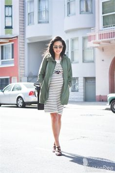 """Học hỏi phong cách công sở trendy của """"bà bầu"""" kiêm fashion icon gốc Việt 22"""