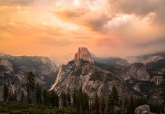 I was lucky to witness an incredible cloud show over Half Dome at sunset - Yosemite National Park - by Akin Bilgic [OC] [5000x3455]