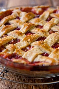 My new favorite strawberry rhubarb pie! The filling holds together nicely and…