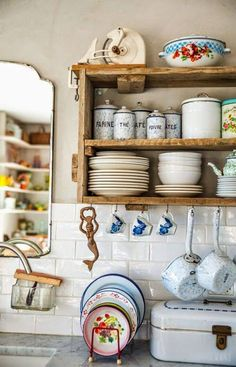 Vintage Kitchen When Every Piece Tells a Story - Vintage kitchen decor ideas help you to get a good idea of how to merge classic kitchen design with modern sensibilities. Kitchen On A Budget, New Kitchen, Kitchen Dining, Kitchen Ideas, Kitchen Cabinets, Eclectic Kitchen, Kitchen Sink, Cottage Kitchen Shelves, Quirky Kitchen