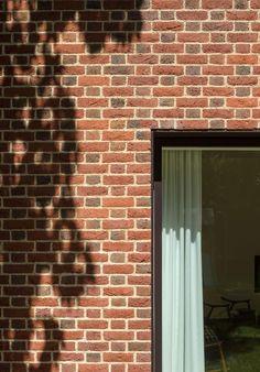 Woodridge, Newbury, with Michelmersh Coarse Textured bricks.