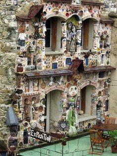 Roland Dutel, La demeure aux figures/The house with the figures