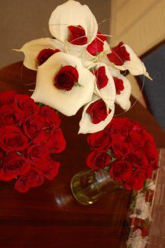 Love this idea! :) Bride and bridesmaids bouquets! :)