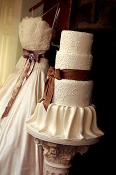 Cake Matches Dress Cream Wedding Ivory 2017 Blog Fall