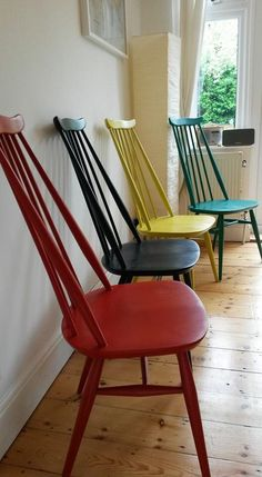 My painted Ercol chairs, finally finished! Using Annie Sloan & Autentico chalk paint. Ercol Chair, Ercol Furniture, Upcycled Furniture, Home Furniture, Colorful Chairs, Cool Chairs, Table And Chairs, Dining Chairs, Dining Room