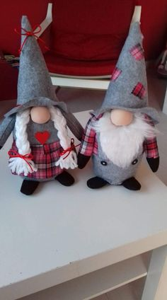 Best 12 Apa és anya – Page 465559680227045352 Christmas Gnome, Christmas Sewing, Christmas Ornaments, Scandinavian Gnomes, Scandinavian Christmas, Gnome Hat, Xmas Decorations, Holiday Crafts, Crafts To Make