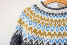 Riddari... Fair Isle Knitting, Baby Knitting, Icelandic Sweaters, Old Libraries, How To Start Knitting, Color Patterns, Ravelry, Christmas Sweaters, Knitting Patterns