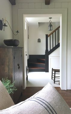 Love this simple farmhouse style old house entryway & stairway farmhouse decor, farmhouse stairs Farmhouse Design, Farmhouse Style, Farmhouse Decor, Farmhouse Stairs, Cottage Staircase, Cottage Farmhouse, Style At Home, Home Living, Living Spaces