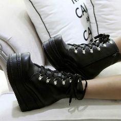 Women's Lace Up Goth Punk Ankle Platform Boots @KD Eustaquio L Pong boots! Hahahaha!