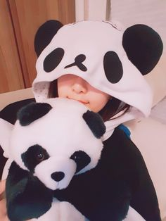 My cute teddy with cute girl pic. Panda Love, Cute Panda, Happy Panda, Cute Korean Girl, Asian Girl, Bear Girl, Profile Picture For Girls, Stylish Girl Images, Girly Pictures