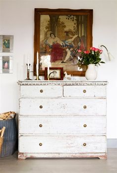 White Chest of Drawers with Brass Cupboard Knobs. For more brass knobs click below: http://www.priorsrec.co.uk/door-furniture/cupboard-knobs/brass-cupboard-knobs/c-p-0-0-3-15-16