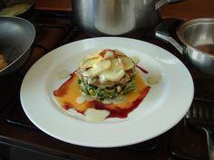 1  Hamburger  de  veau    garniture   variè  et sauce  de contour      Gino D'Aquino