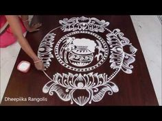Pencil Drawing Patterns Beautiful Chukki Rangoli With Colours for Sankranti Indian Rangoli Designs, Simple Rangoli Designs Images, Rangoli Designs Latest, Rangoli Designs Flower, Small Rangoli Design, Rangoli Designs With Dots, Beautiful Rangoli Designs, Easy Rangoli Patterns, Rangoli Colours