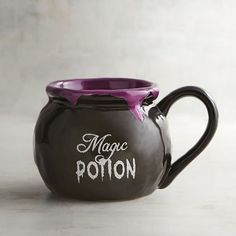 Our cauldron-inspired ceramic mug is just what you need to enjoy all your favorite Halloween brews. Our cauldron-inspired ceramic mug is just what you need to enjoy all your favorite Halloween brews. Cute Coffee Mugs, Cool Mugs, Tea Mugs, Coffee Cups, Coffee Coffee, Coffee Time, Morning Coffee, Objet Harry Potter, Mug Cup