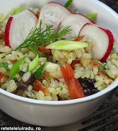 Salata de orez cu somon afumat si masline