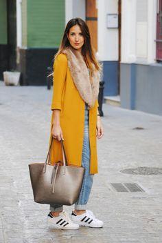 De nuevo, mostaza. http://www.fashion-south.com/2016/04/primavera-tambien-en-mostaza.html