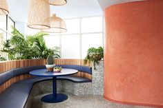 Encaustic Fliesen, Terrazzo und warme Timbers im Fonda Restaurant Boutique Interior Design, Interior Design Awards, Commercial Interior Design, Commercial Interiors, Commercial Furniture, Terrazzo, Booth Seating, Banquette Seating, Interior Window Trim